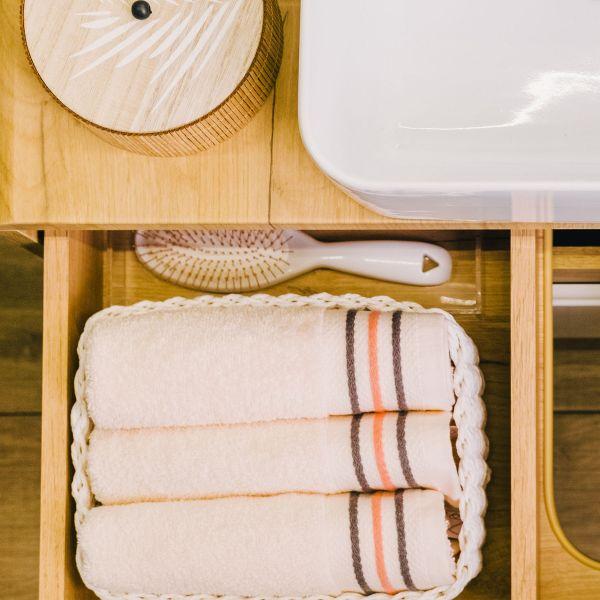OCTOPUS Ręcznik bawełniany z lamówką ecru 50x90 cm
